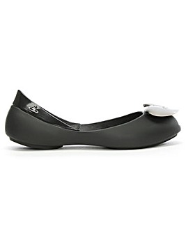 Mini Melissa x VW Queen Heart Flats