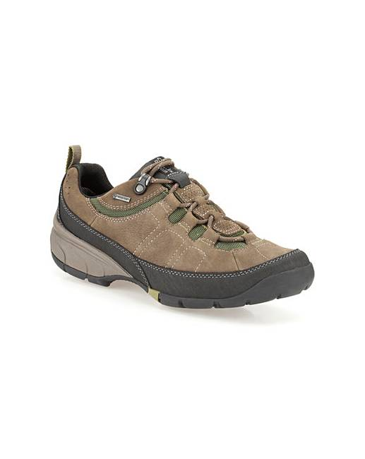 Clarks Wave Pass GTX Shoes Standard Width Fitting