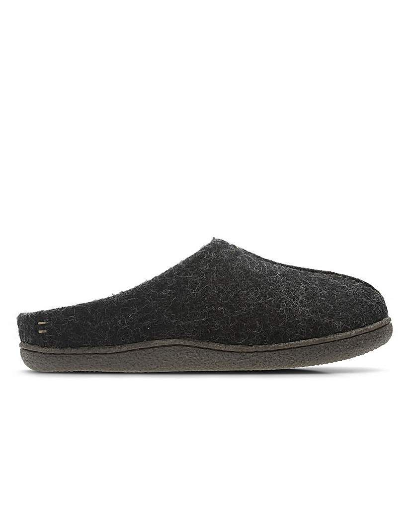 Clarks Relaxed Style Standard Fitting
