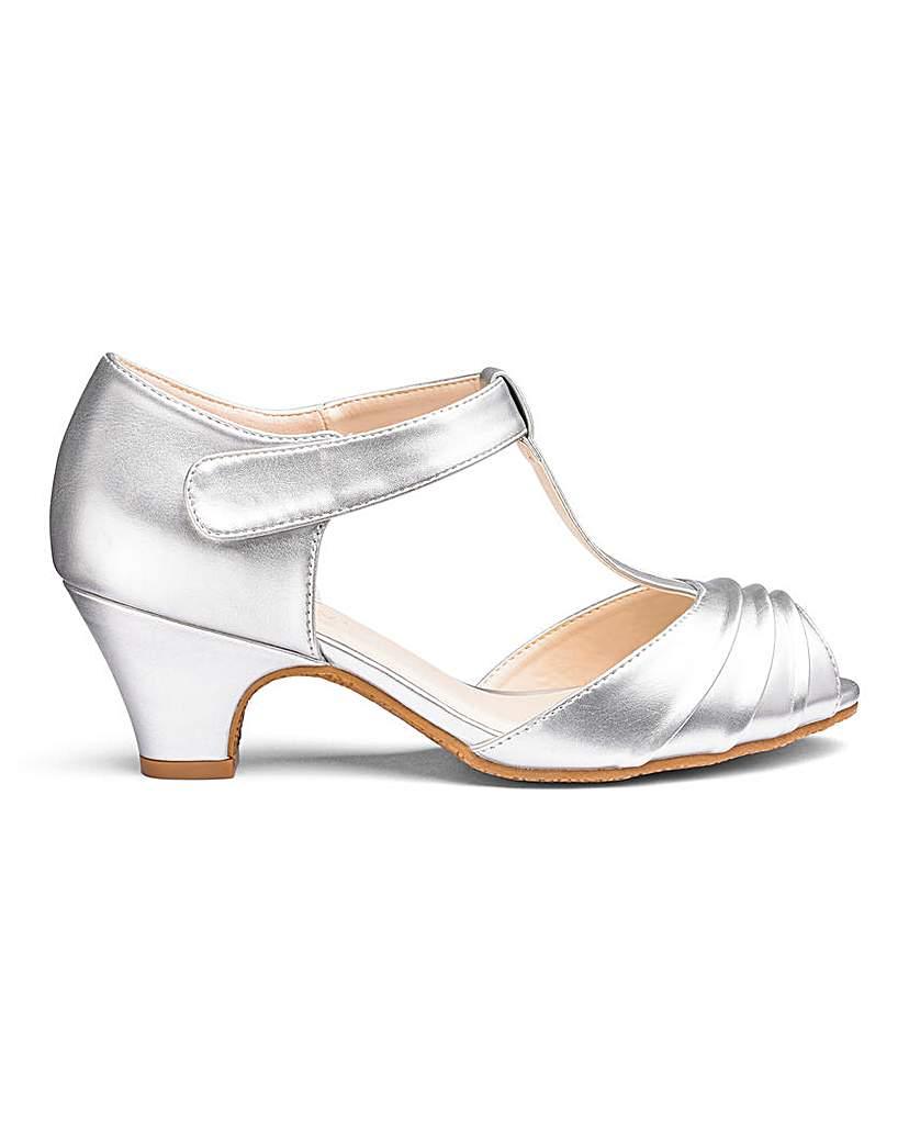 Retro Vintage Style Wide Shoes T Bar Occasion Shoes E Fit £30.00 AT vintagedancer.com