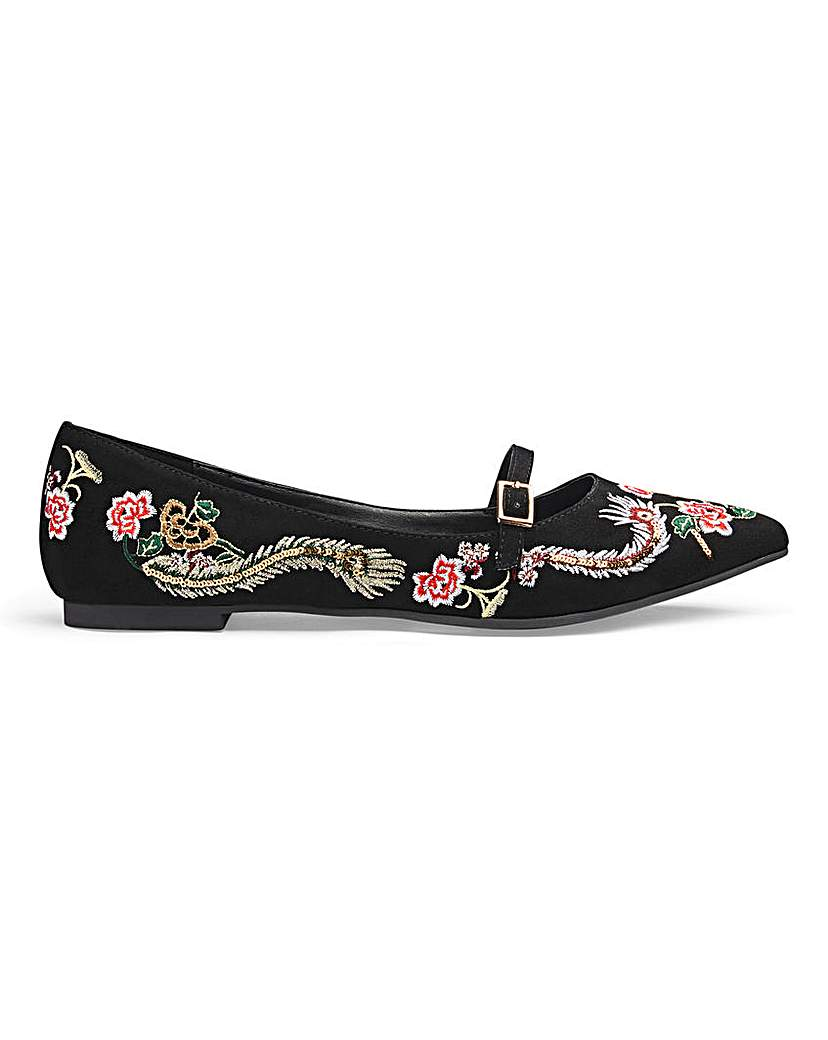 monica embroidered shoe e fit