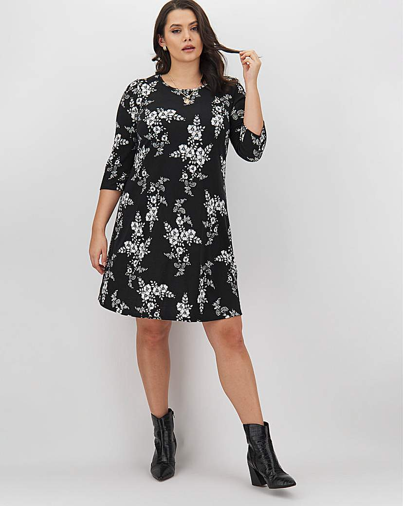 Capsule Mono Print 3/4 Sleeve Swing Dress