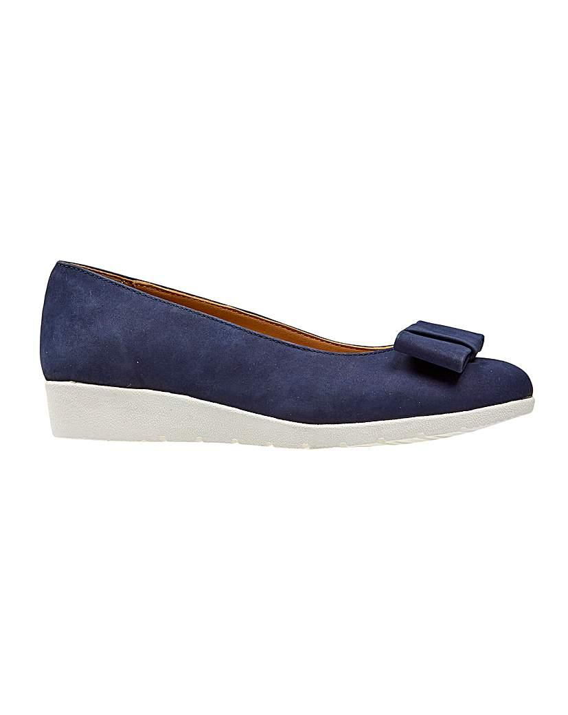 1940s Style Shoes Van Dal Sapphire Shoe £50.00 AT vintagedancer.com