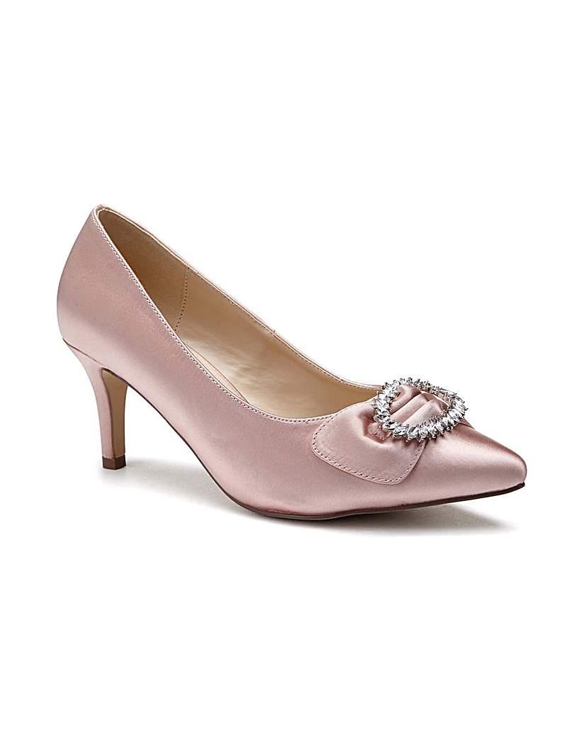 1950s Style Shoes | Heels, Flats, Saddle Shoes Paradox London Lena EEE Fit Court Shoes £59.00 AT vintagedancer.com