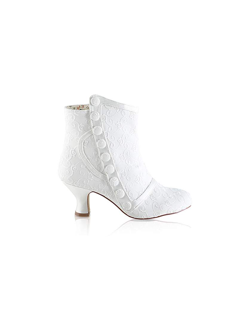 Vintage Style Wedding Shoes, Boots, Flats, Heels Perfect Vintage Button Trim Ankle Boot £100.00 AT vintagedancer.com