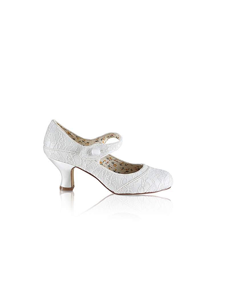 1920s Wedding Dresses- Art Deco Style Perfect Button Bar Lace Shoe £85.00 AT vintagedancer.com