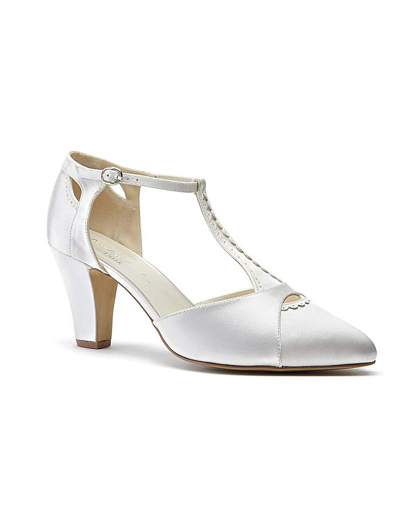 1920s Wedding Shoes | Art Deco Wedding Shoes Paradox London Belmont Court Shoes £79.00 AT vintagedancer.com
