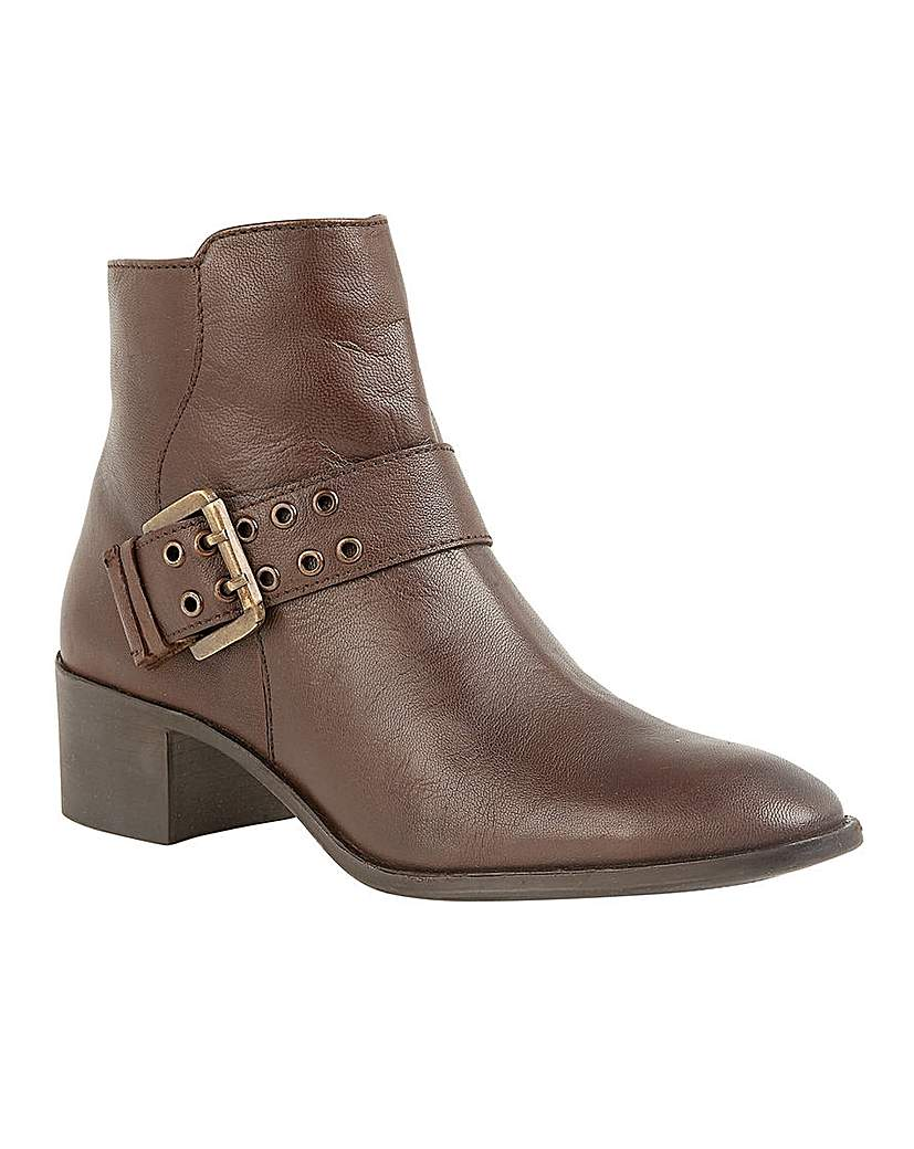 Lotus Tenney Leather Ankle Boots
