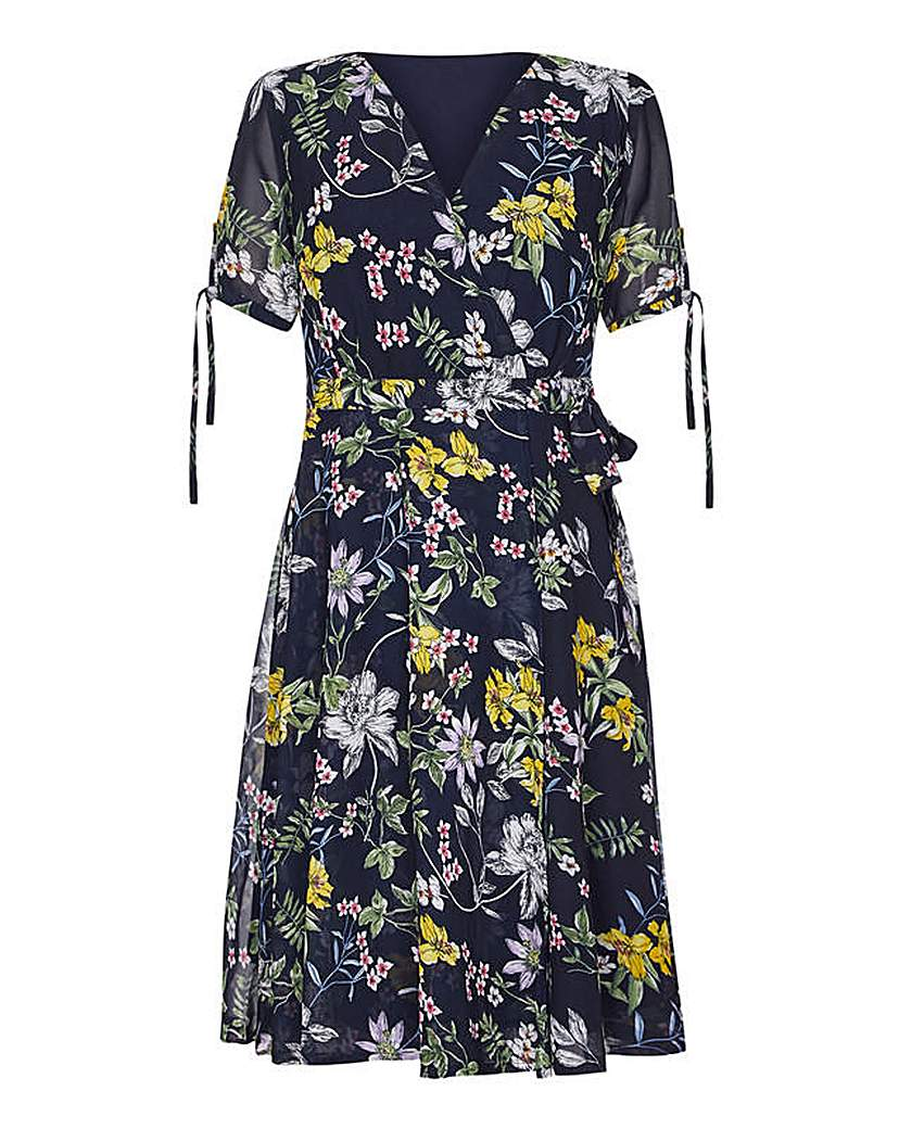 Yumi Curves Flared Floral Dress