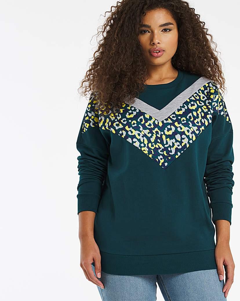 Capsule Cheveron Animal Sweatshirt