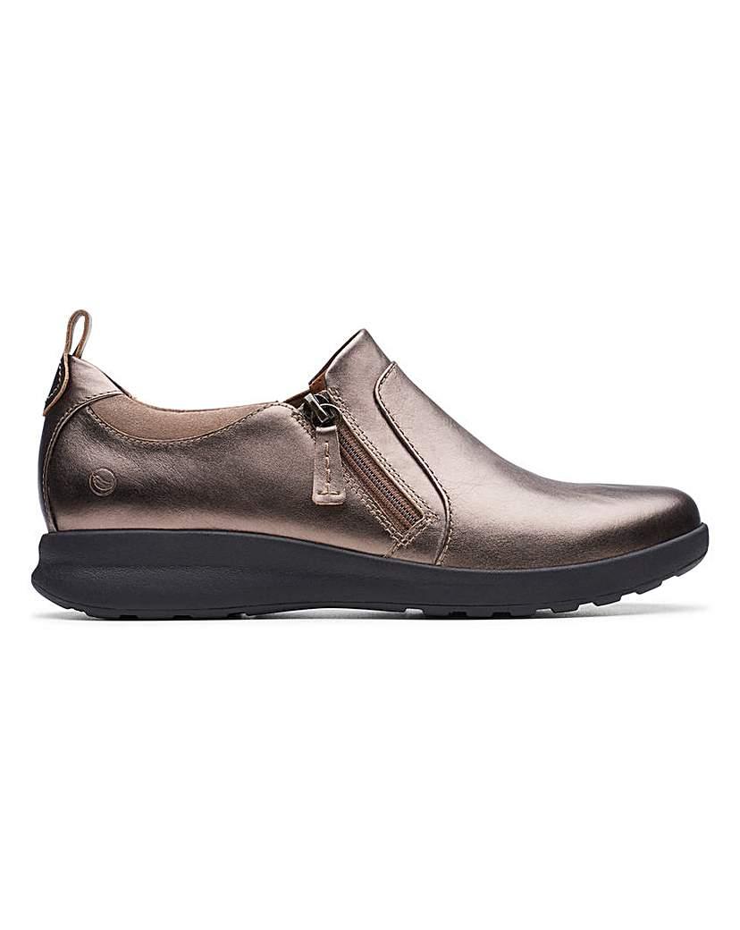 Clarks Clarks Un Adorn Zip Shoes D Fit