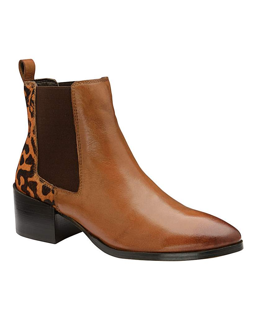 Ravel Ravel Saxman Leather Chelsea Boots D Fit