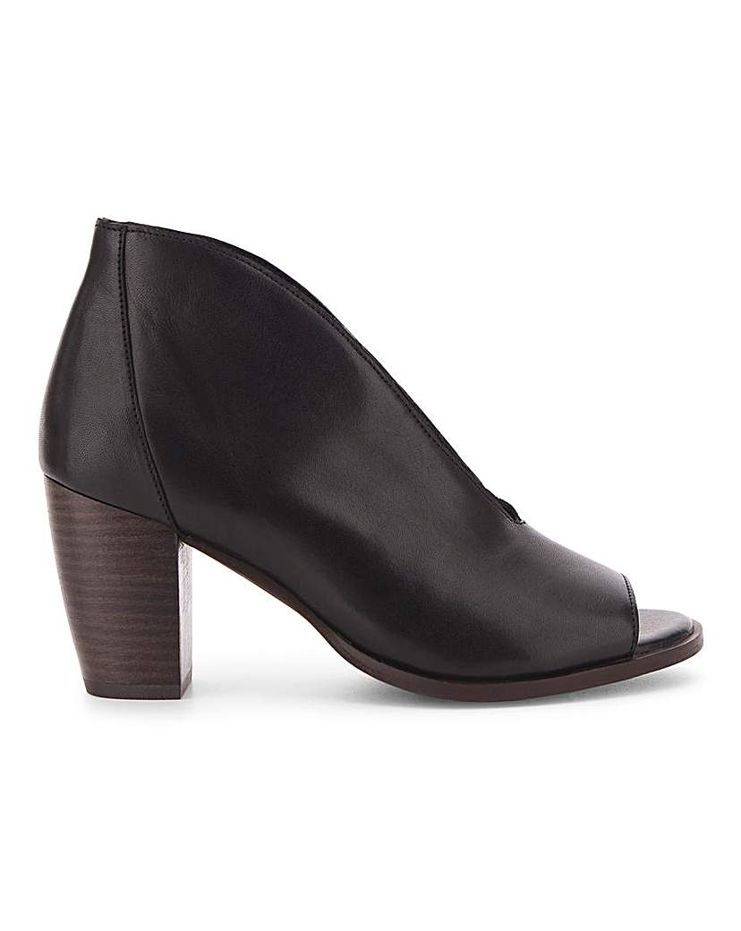 Simply Be Amaryllis Leather Shoeboot Wide Fit