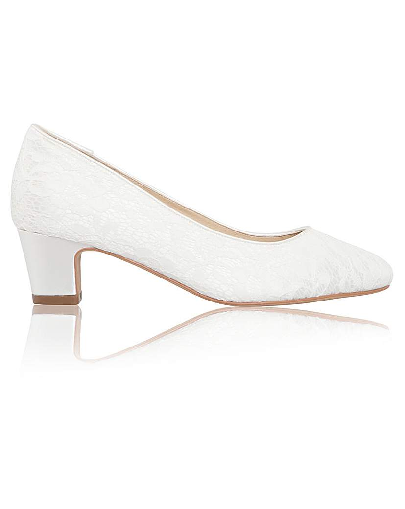 Retro Vintage Style Wide Shoes Perfect Melanie Wide Fit Lace Low Heel £85.00 AT vintagedancer.com