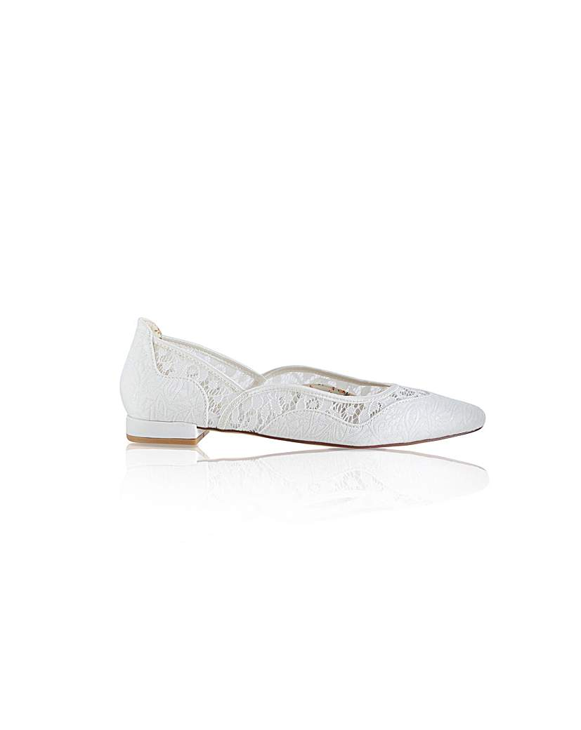 Vintage Style Wedding Shoes, Boots, Flats, Heels Perfect Primrose TapestryLace Flat £88.00 AT vintagedancer.com