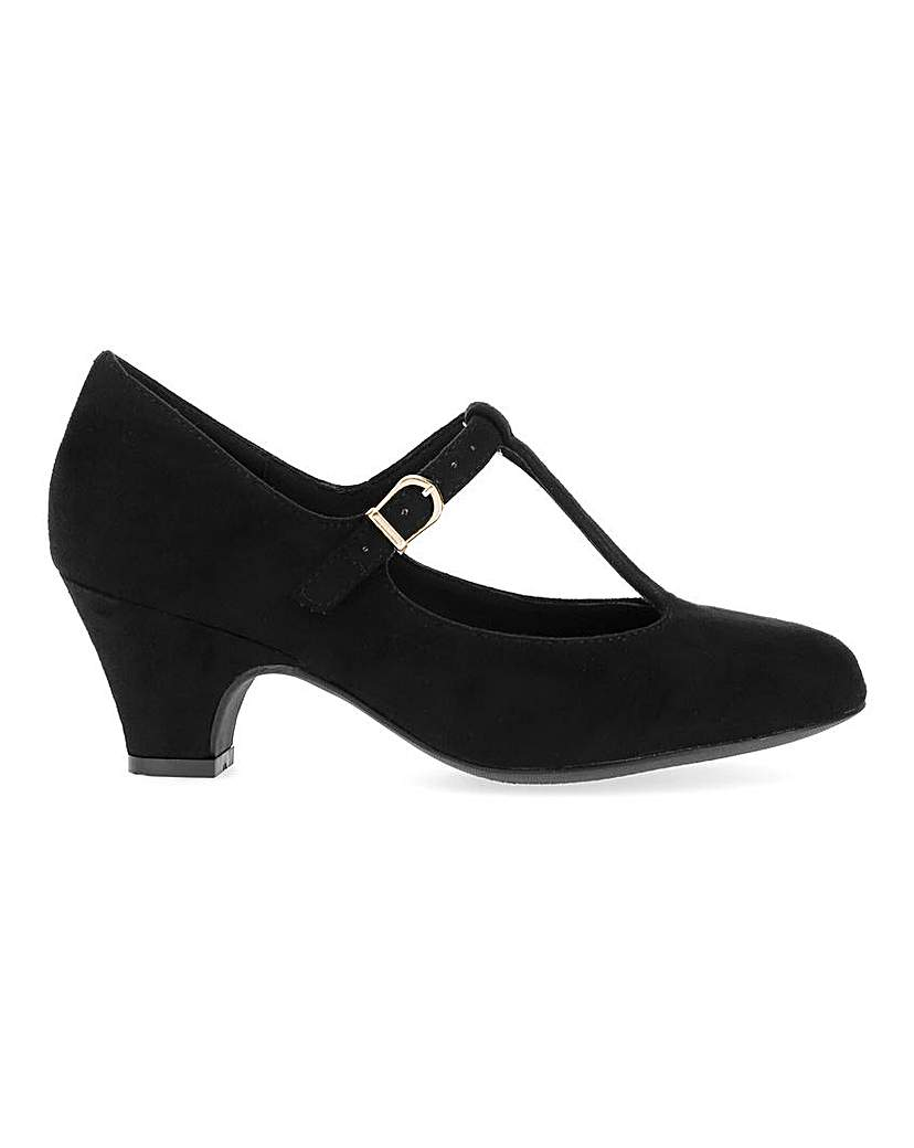Women's 1920s Shoe Styles and History T Bar Shoes EEE Fit £30.00 AT vintagedancer.com