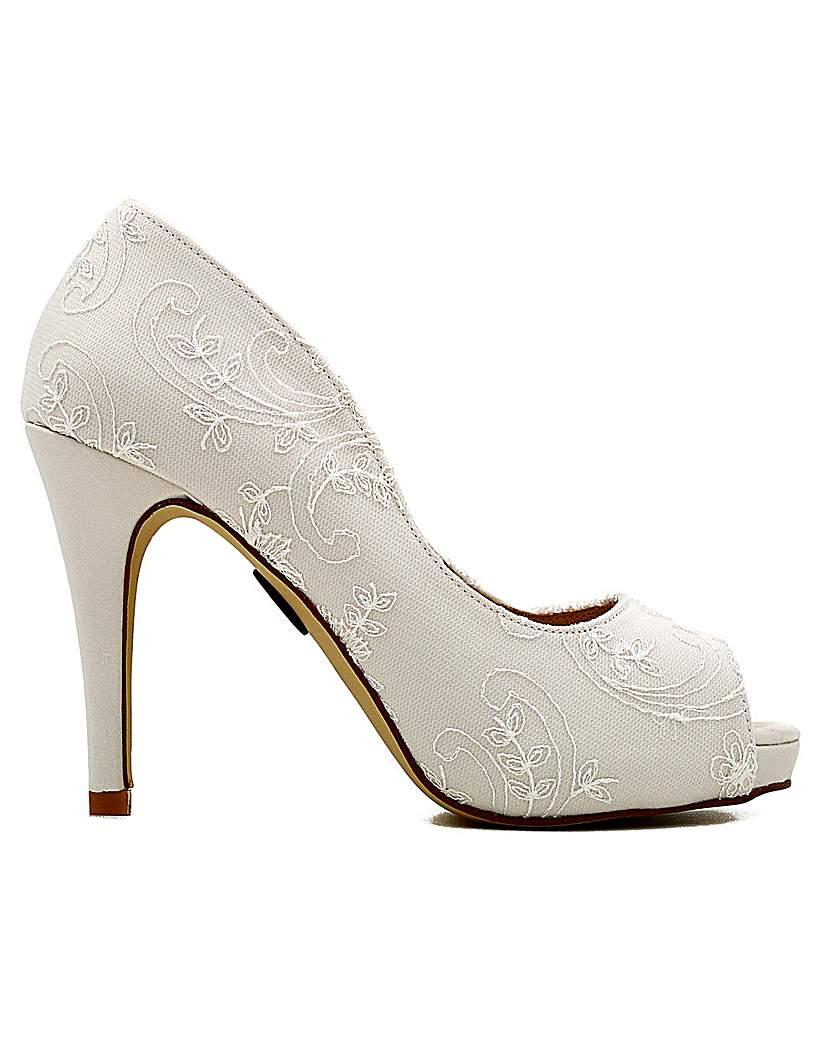 Vintage Style Wedding Shoes, Boots, Flats, Heels Perfect Vintage Inspired Lace Shoe £118.00 AT vintagedancer.com
