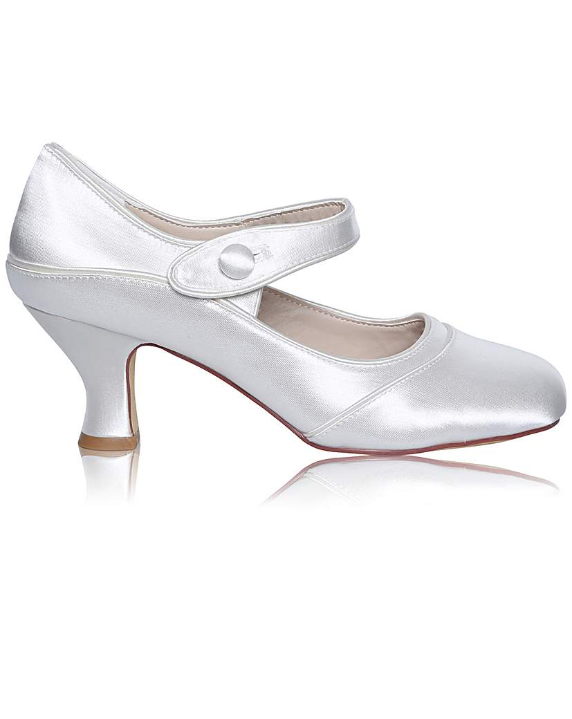 1920s Wedding Shoes | Art Deco Wedding Shoes Perfect Esta Wide Fit Satin Bar Shoe £85.00 AT vintagedancer.com