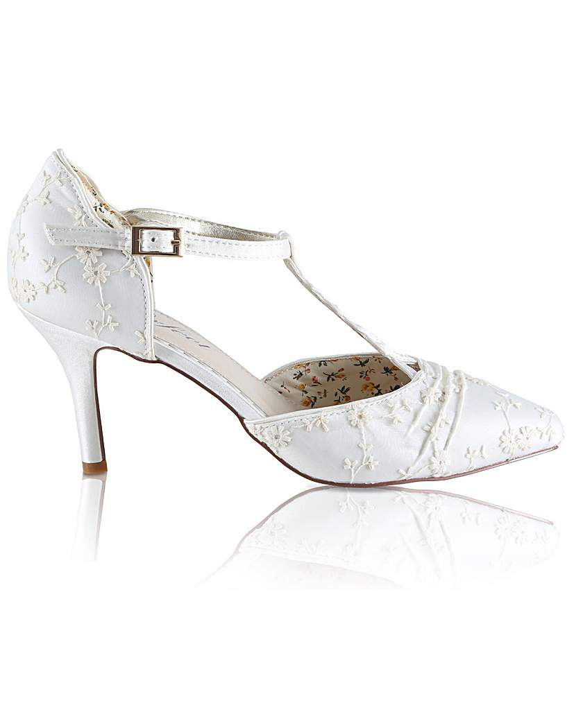 Vintage Style Wedding Shoes, Boots, Flats, Heels Perfect Lace Twisted T-Bar Court Shoe £90.00 AT vintagedancer.com