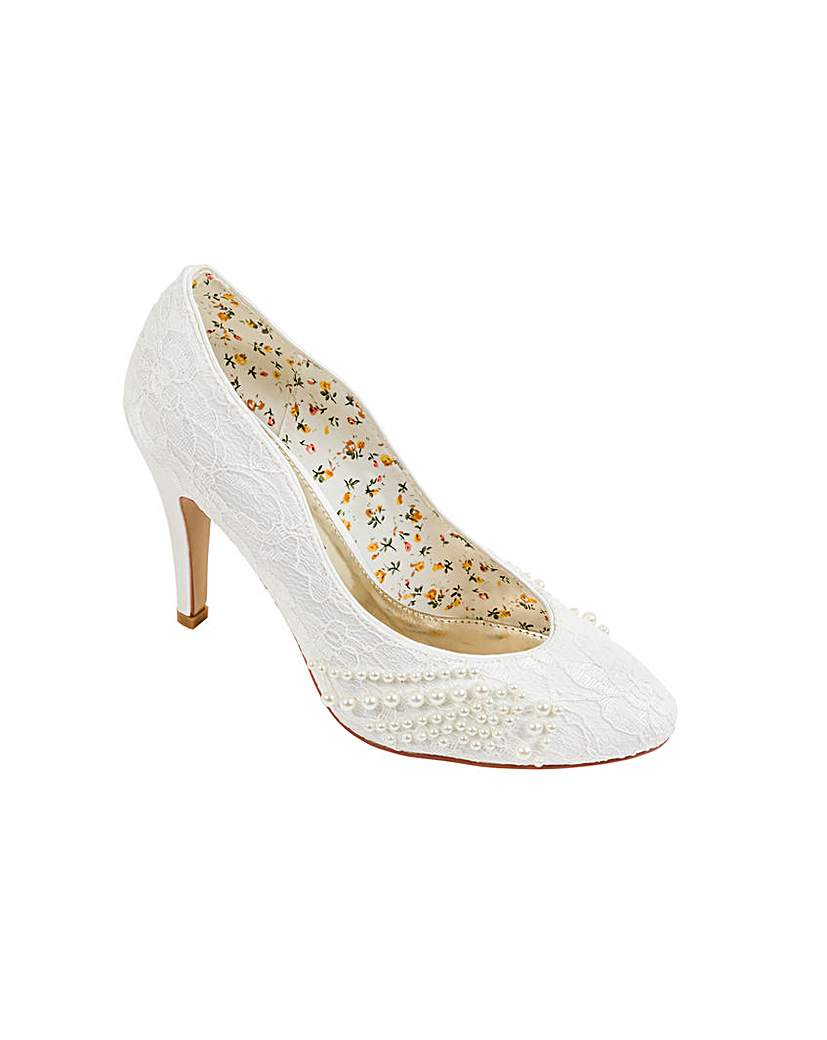 Vintage Style Wedding Shoes, Boots, Flats, Heels Perfect Lace Court With Pearl Detailing £47.00 AT vintagedancer.com