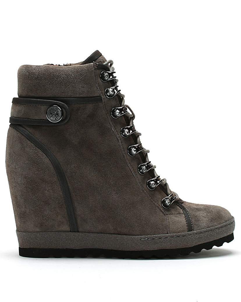 Daniel Pepler Wedge High Top Trainers