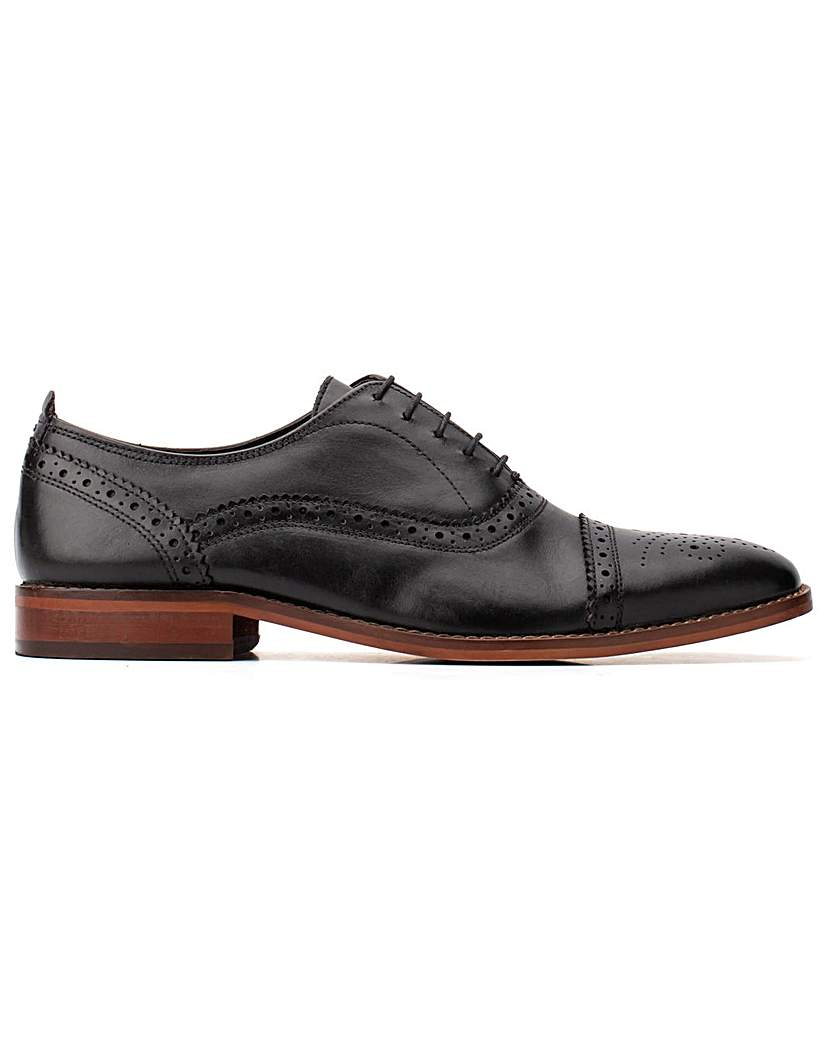 Base London Base London Cast Waxy Brogue Shoe
