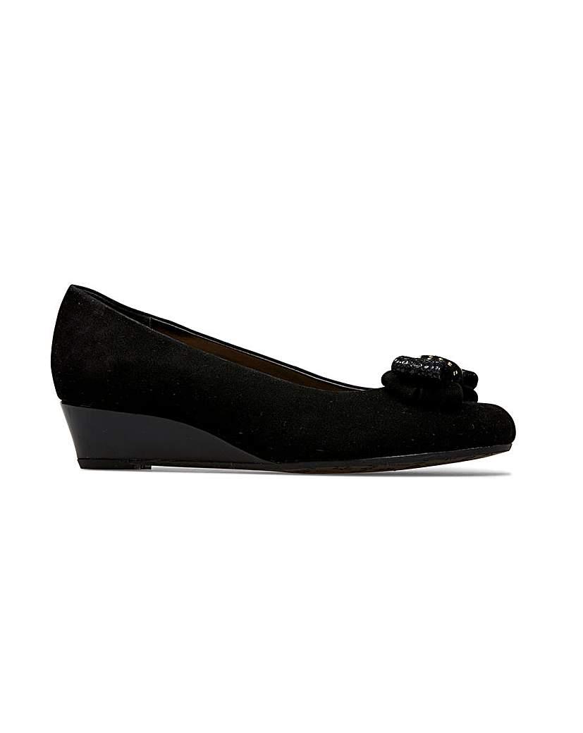 Retro Vintage Style Wide Shoes Van Dal Clara II XE Wedges Wide EEE Fit £75.00 AT vintagedancer.com