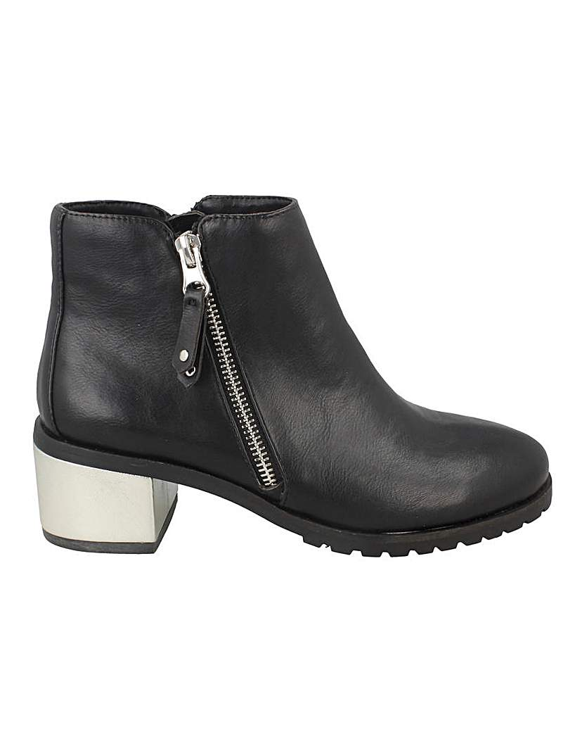 Side Zip Heeled Ankle Boot Standard Fit