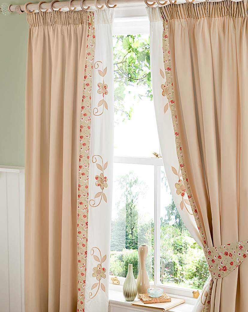 Ringley Home Furnishings Willow Puffball Curtains & Tie Backs