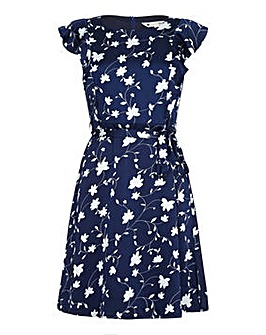Yumi Curves Flower Print Day Dress with