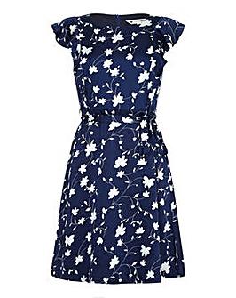 Yumi Curves Flower Print Day Dress