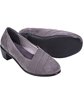 Zara Shoes 5E+ Width
