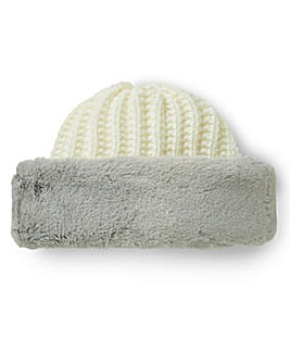 Knitted Hat With Faux Fur Trim