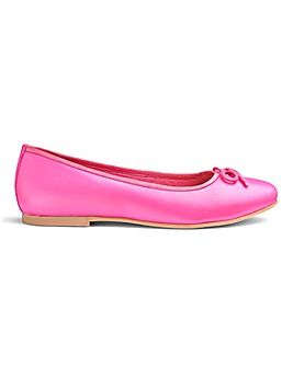 Heavenly Soles Leather Ballerinas D Fit