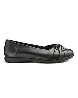 Heavenly Soles Leather Ballerina E Fit