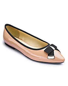 Sole Diva Pointy Bow Shoe EEE Fit
