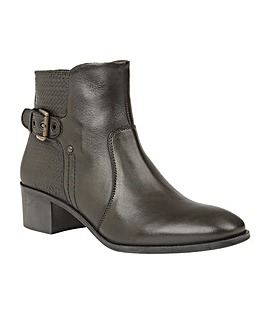 LOTUS OLIVIAN ANKLE BOOTS
