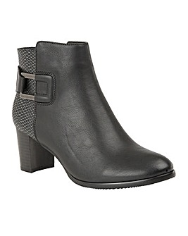 LOTUS JECKLE ANKLE BOOTS