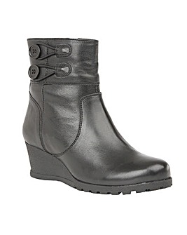 LOTUS BOPTY ANKLE BOOTS