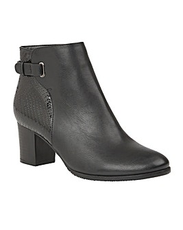 LOTUS TANAAN ANKLE BOOTS