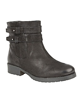 LOTUS HECKLE ANKLE BOOTS