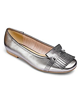 Heavenly Soles Fringe Shoes EEE Fit