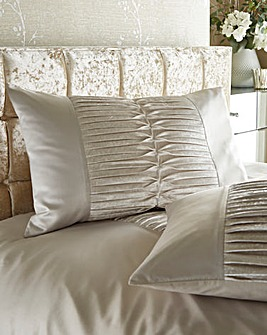 Kylie Atmosphere Houswife Pillowcase