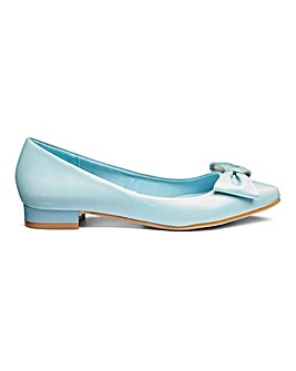 Comfort Flat Pointed Shoes EEE Fit