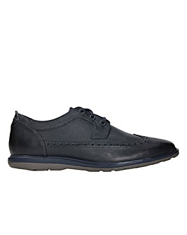 Clarks Glaston Wing  Shoes