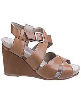 Hush Puppies Fintan Montie Buckle Sandal