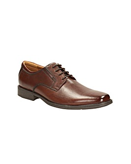 Clarks Tilden Plain Shoes G fitting
