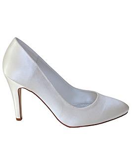 Perfect Plain Round Toe Court Shoe