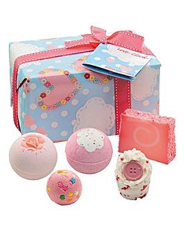 Bomb Cosmetics Love Cloud Set