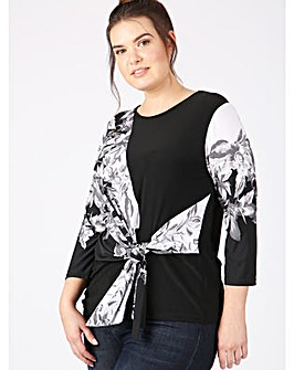 Lovedrobe GB monochrome floral print top
